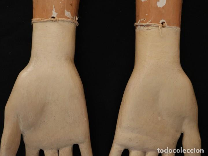 Arte: Brazos y manos de tamaño natural para imagen vestidera o cap i pota. Siglo XVIII. - Foto 16 - 235361650