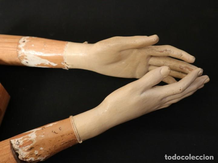 Arte: Brazos y manos de tamaño natural para imagen vestidera o cap i pota. Siglo XVIII. - Foto 23 - 235361650