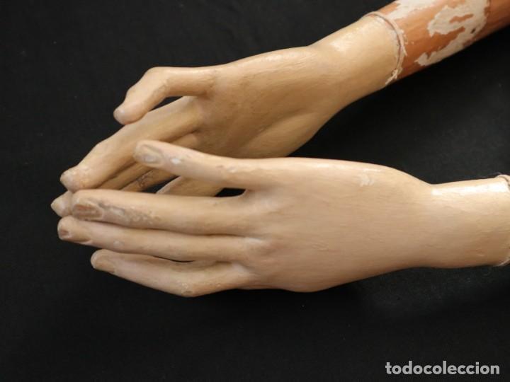 Arte: Brazos y manos de tamaño natural para imagen vestidera o cap i pota. Siglo XVIII. - Foto 26 - 235361650