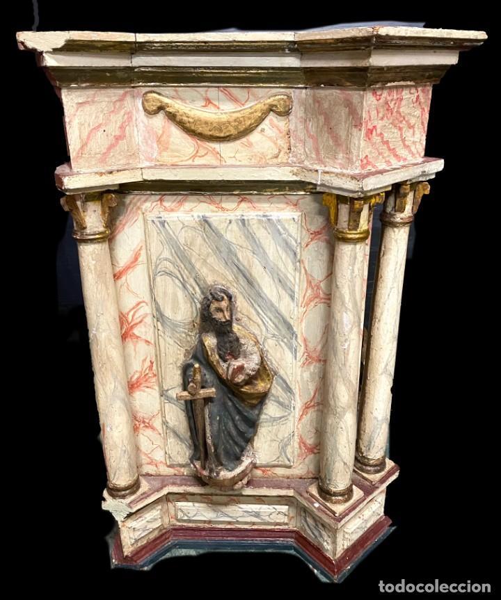 Arte: Antiguo sagrario de nogal policromado, oro fino. Siglo XVI. Cristo resucitado, San Pedro y San Pablo - Foto 3 - 235492930