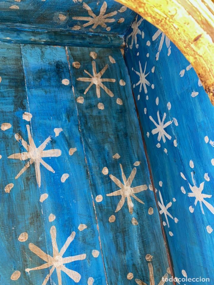 Arte: Antiguo sagrario de nogal policromado, oro fino. Siglo XVI. Cristo resucitado, San Pedro y San Pablo - Foto 7 - 235492930