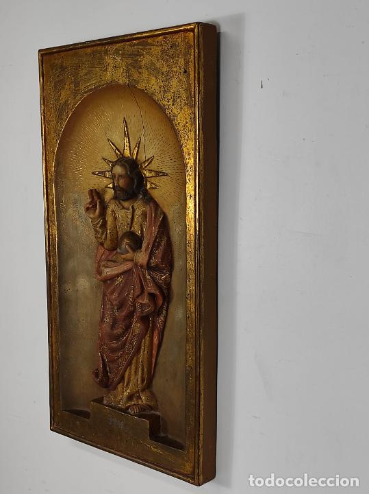 Arte: Antiguo Retablo - Sagrado Corazón - Talla de Madera Policromada y Dorada - Año 1743 - Foto 3 - 235694800