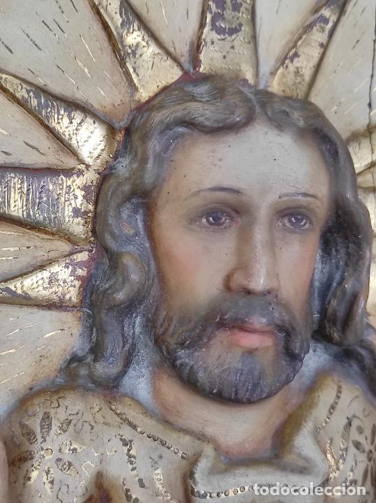 Arte: Antiguo Retablo - Sagrado Corazón - Talla de Madera Policromada y Dorada - Año 1743 - Foto 15 - 235694800
