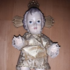 Art: FIGURA DEL NIÑO JESÚS REALIZADO EN PASTA DE MADERA Y ESCAYOLA CON VESTIDO DORADO. VER DESCRIPCIÓN. Lote 238266960