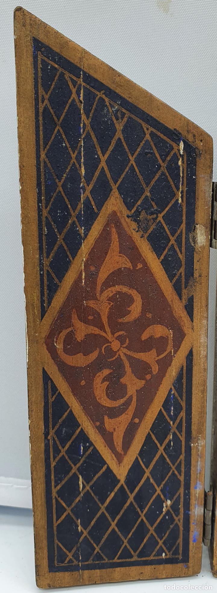 Arte: Precioso tríptico antiguo de estilo renacentista en madera con acabado en estuco . - Foto 3 - 238309120