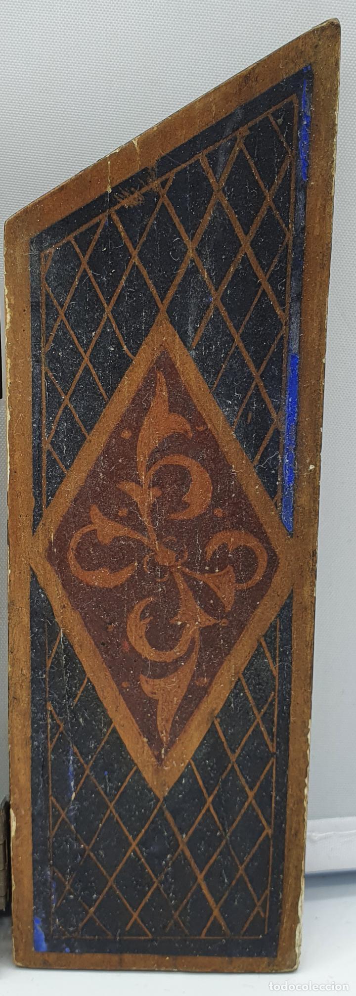 Arte: Precioso tríptico antiguo de estilo renacentista en madera con acabado en estuco . - Foto 5 - 238309120
