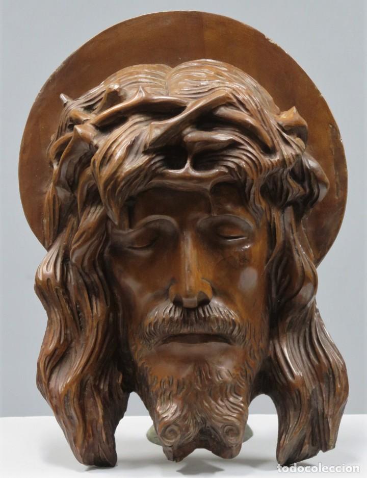 PRECIOSO ECCE HOMO. MADERA TALLADA. FIRMADO AL DORSO C.M. LAPERAL (Arte - Arte Religioso - Escultura)