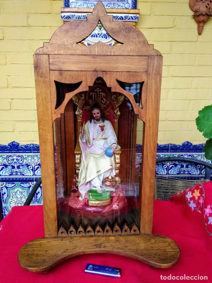 CAPILLA ANTIGUA CON FIGURA DEL CORAZÓN DE JESÚS (Arte - Arte Religioso - Retablos)