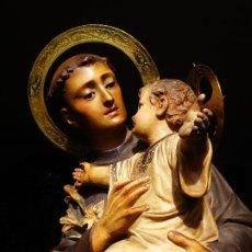 Arte: EL ARTE CRISTIANO PIADOSO SAN ANTONIO DE PADUA CON NIÑO EN GLORÍA PASTA DE MADERA. Lote 275742203