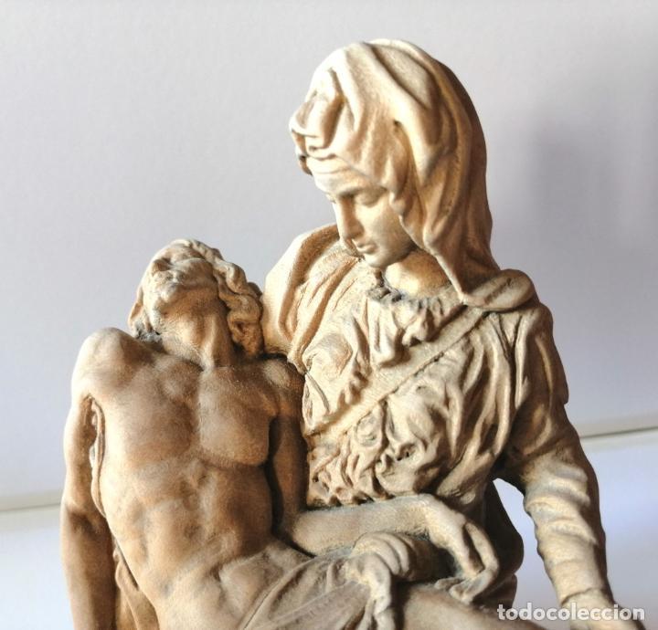 Arte: LA PIEDAD * FIGURA ESCULTURA RELIGIOSA TALLA PASTA DE MADERA * Medida ---) Altura 17 cms. - Foto 4 - 242132460