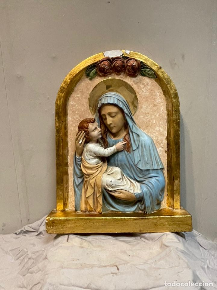 RETABLO EN RELIEVE VIRGEN Y NIÑO JESÚS (Arte - Arte Religioso - Retablos)