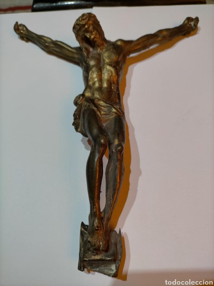 FIGURA DE CRISTO, BRONCE MACIZO. 830 GRAMOS. 23 CM. (Arte - Arte Religioso - Escultura)