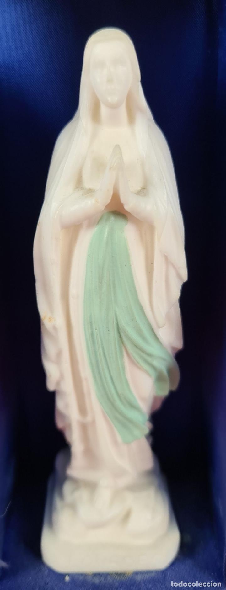 Arte: VIRGEN DE LOURDES CON CAPILLA. ESCULTURA EN RESINA. CAPILLA DE MADERA. SIGLO XX. - Foto 4 - 246689310