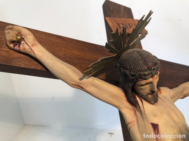 Arte: ANTIGUA CRUZ DE ALTAR, CRISTO DE ESTUCO. 80CM. - Foto 5 - 247470450
