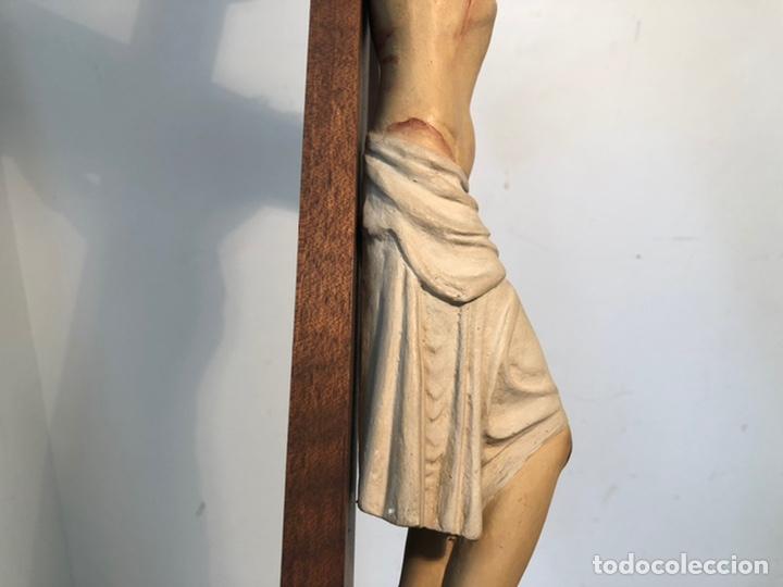 Arte: ANTIGUA CRUZ DE ALTAR, CRISTO DE ESTUCO. 80CM. - Foto 10 - 247470450
