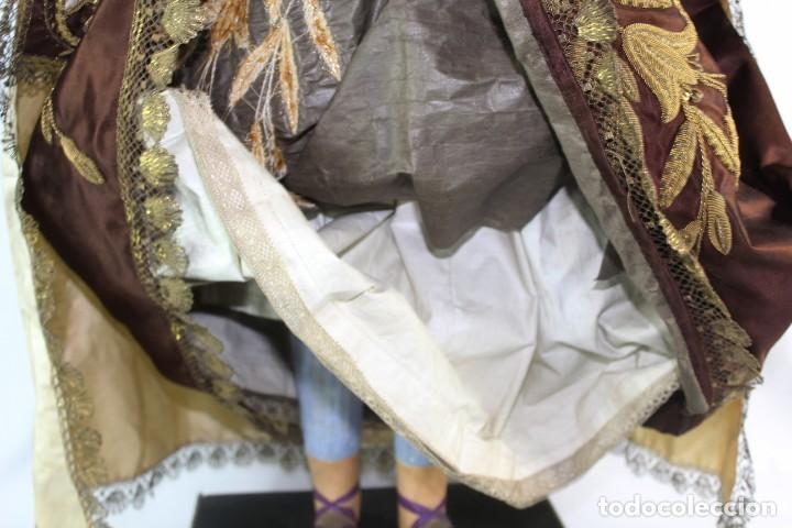 Arte: Gran Virgen del Carmen con niño. Cap pota en madera, ojos cristal, sedas, bordados. ca 1880. 97cm. - Foto 4 - 247953185