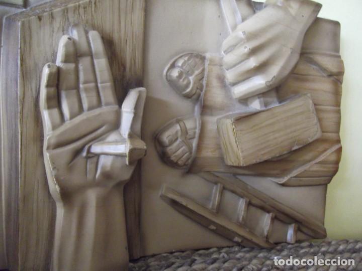 MAGISTRALES ESCULTURAS 3 D EN MADERA 25 X 18 X 4,5 (Arte - Arte Religioso - Escultura)