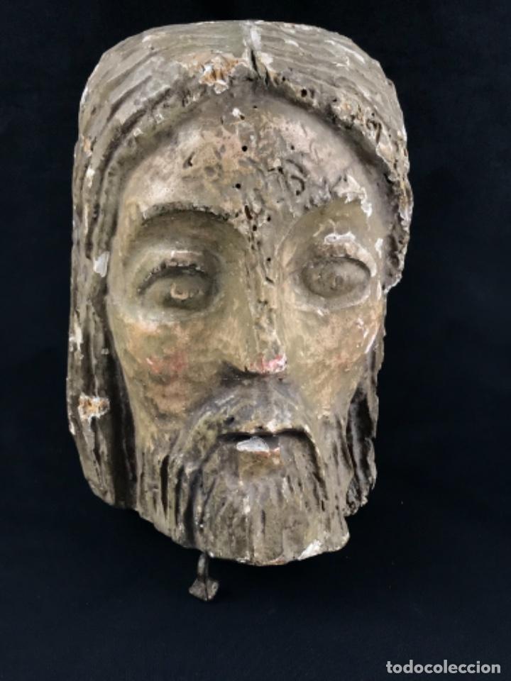 MUY ANTIGUA CABEZA DE CRISTO TALLADA EN MADERA POLICROMADA. (Arte - Arte Religioso - Escultura)