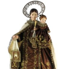 Arte: GRAN VIRGEN DEL CARMEN CON NIÑO. CAP POTA EN MADERA, OJOS CRISTAL, SEDAS, BORDADOS. CA 1880. 97CM.. Lote 247953185