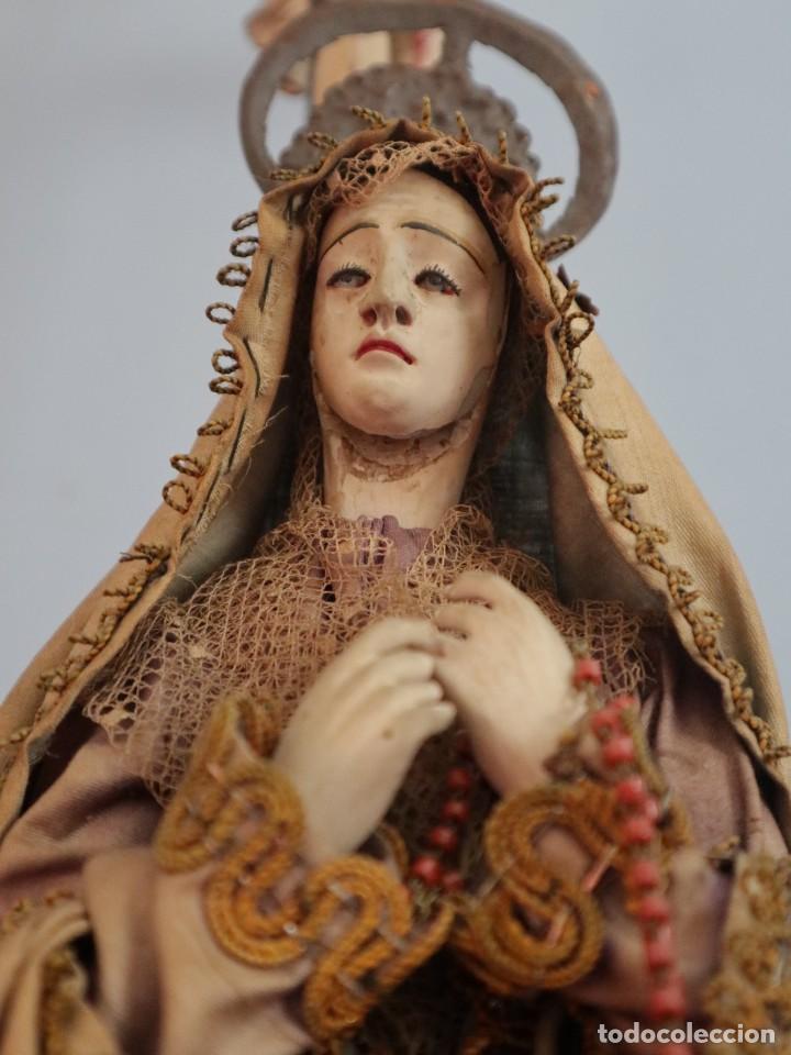 Arte: La Piedad y Cristo Crucificado. Madera tallada revestida con ropas. 72 x 24 cm. S. XIX. - Foto 9 - 176605900
