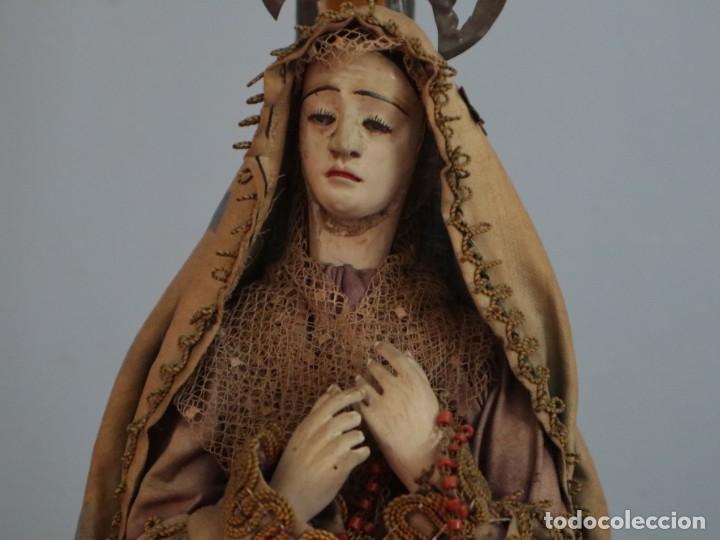 Arte: La Piedad y Cristo Crucificado. Madera tallada revestida con ropas. 72 x 24 cm. S. XIX. - Foto 10 - 176605900