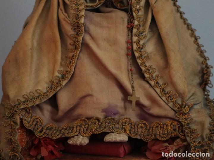 Arte: La Piedad y Cristo Crucificado. Madera tallada revestida con ropas. 72 x 24 cm. S. XIX. - Foto 11 - 176605900