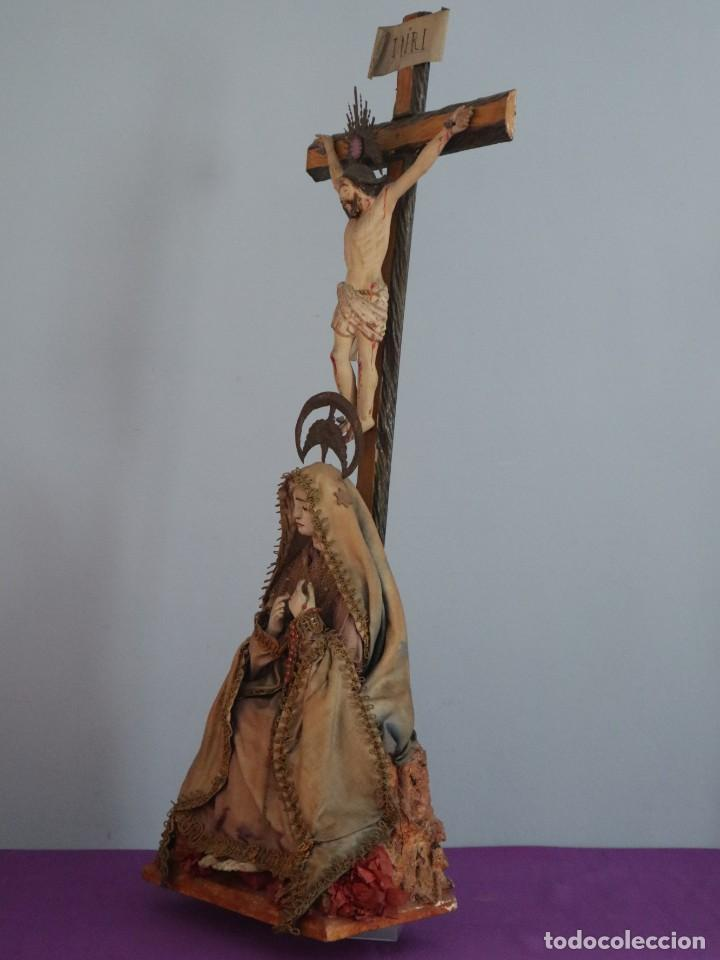 Arte: La Piedad y Cristo Crucificado. Madera tallada revestida con ropas. 72 x 24 cm. S. XIX. - Foto 12 - 176605900