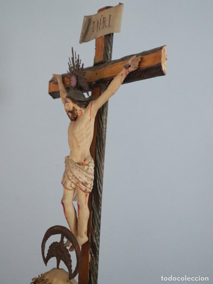 Arte: La Piedad y Cristo Crucificado. Madera tallada revestida con ropas. 72 x 24 cm. S. XIX. - Foto 13 - 176605900