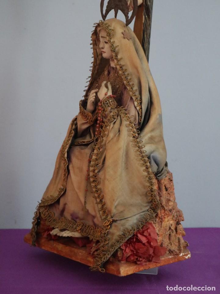 Arte: La Piedad y Cristo Crucificado. Madera tallada revestida con ropas. 72 x 24 cm. S. XIX. - Foto 14 - 176605900