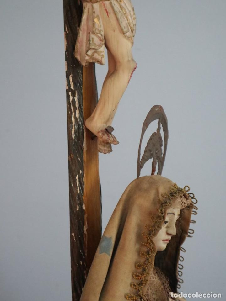 Arte: La Piedad y Cristo Crucificado. Madera tallada revestida con ropas. 72 x 24 cm. S. XIX. - Foto 18 - 176605900