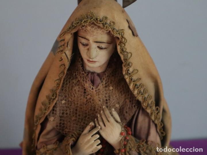 Arte: La Piedad y Cristo Crucificado. Madera tallada revestida con ropas. 72 x 24 cm. S. XIX. - Foto 23 - 176605900