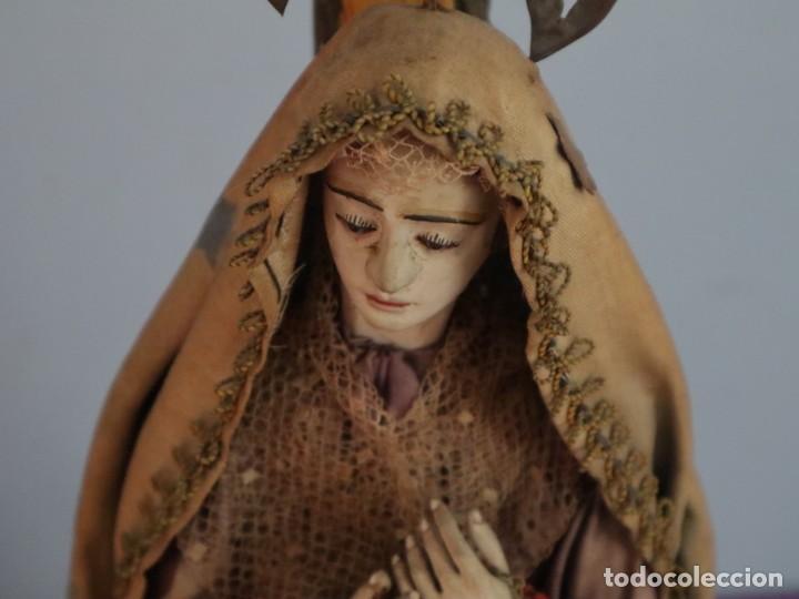 Arte: La Piedad y Cristo Crucificado. Madera tallada revestida con ropas. 72 x 24 cm. S. XIX. - Foto 24 - 176605900