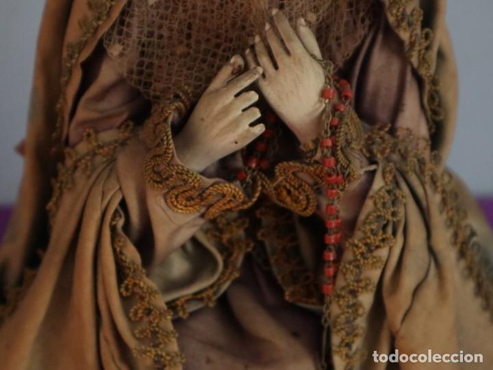 Arte: La Piedad y Cristo Crucificado. Madera tallada revestida con ropas. 72 x 24 cm. S. XIX. - Foto 25 - 176605900