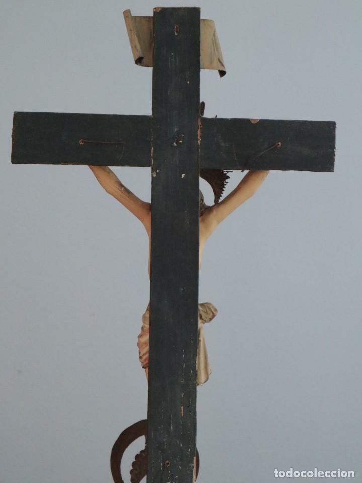 Arte: La Piedad y Cristo Crucificado. Madera tallada revestida con ropas. 72 x 24 cm. S. XIX. - Foto 29 - 176605900