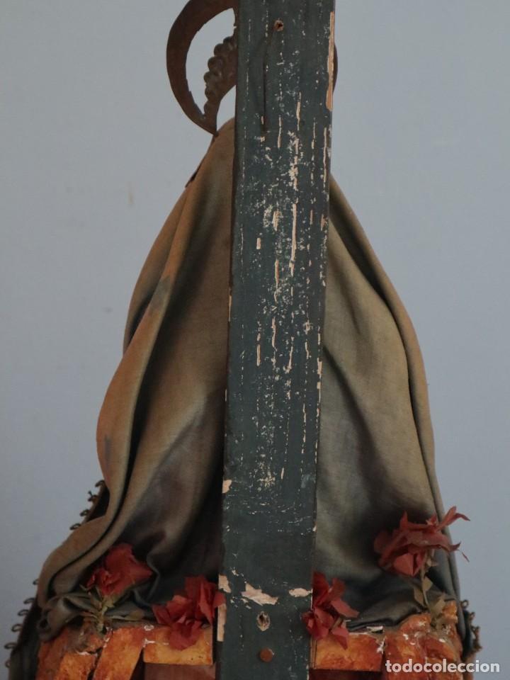 Arte: La Piedad y Cristo Crucificado. Madera tallada revestida con ropas. 72 x 24 cm. S. XIX. - Foto 30 - 176605900
