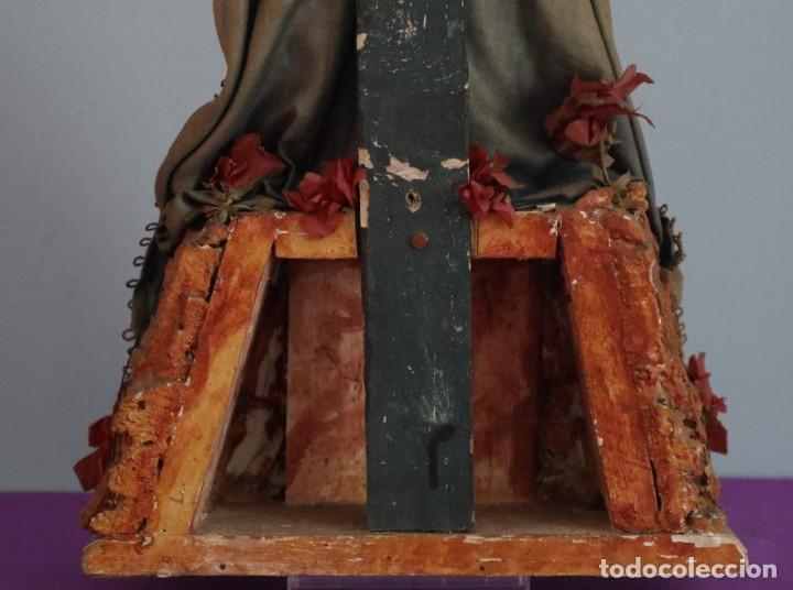 Arte: La Piedad y Cristo Crucificado. Madera tallada revestida con ropas. 72 x 24 cm. S. XIX. - Foto 31 - 176605900