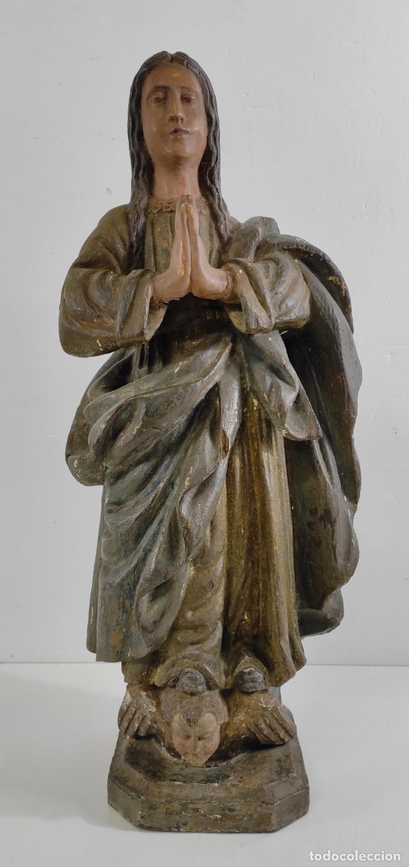 VIRGEN PURÍSIMA - TALLA POPULAR EN MADERA DE ENCINA POLICROMADA - ESCUELA CATALANA - S. XVII (Arte - Arte Religioso - Escultura)
