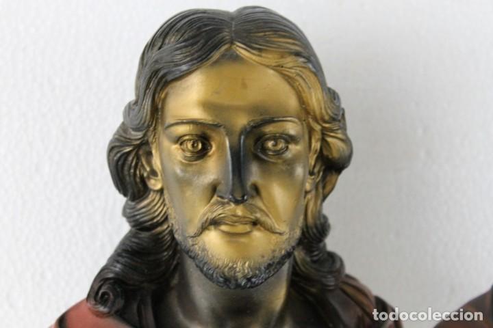 Arte: Bustos de la Virgen y Cristo en resina policromada con base de mármol. Siglo XX - Foto 3 - 254901890