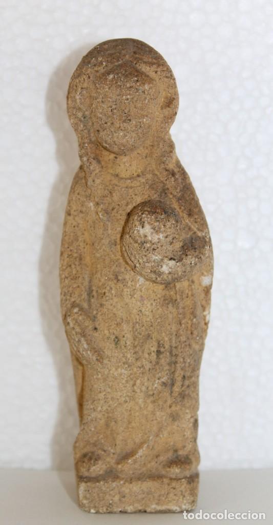 ANTIGUA ESCULTURA EN PIEDRA DE LA VIRGEN DE ESTILO ROMÁNICO (Arte - Arte Religioso - Escultura)