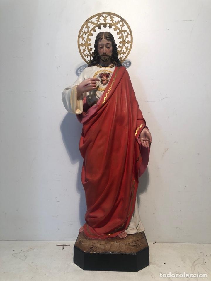 PRECIOSO SAGRADO CORAZON DE JESUS DE PASTA MADERA. ARTE CRISTIANO OLOT. SIGLOXIX. 42CM. (Arte - Arte Religioso - Escultura)
