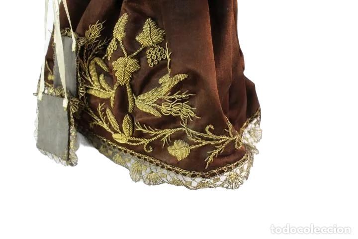 Arte: Gran Virgen del Carmen con niño. Cap pota en madera, ojos cristal, sedas, bordados. ca 1880. 97cm. - Foto 19 - 247953185