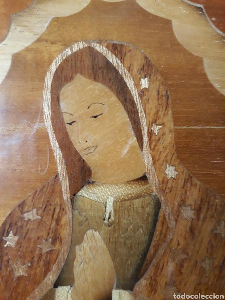 Arte: Cuadro antiguo en marquetería de la Virgen de Guadalupe. Gran detalle - Foto 5 - 258004360
