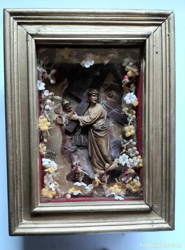 ANTIGUO ALTAR RETABLO EN RELIEVE , FILIGRANA Y FLORES, SIGLO 19 -RELICARIO DE LA PASION DE CRISTO (Arte - Arte Religioso - Retablos)