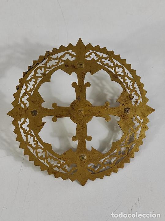 Arte: Preciosa Corona para Virgen, Santo - Latón cincelado - Decoración con Cristal - Diámetro 15 cm - Foto 8 - 260710550