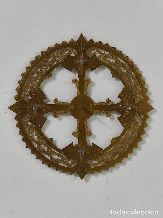 Arte: Preciosa Corona para Virgen, Santo - Latón cincelado - Decoración con Cristal - Diámetro 15 cm - Foto 13 - 260710550
