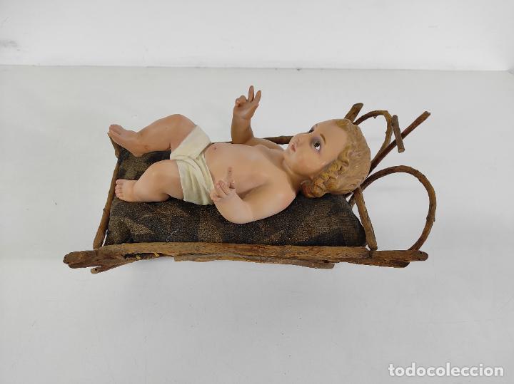 Arte: Niño Jesús con Cuna - Estuco Policromado - Sello Dimosa, Olot - Altura Niño 35 cm - Foto 13 - 260733320