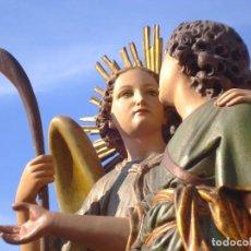 Arte: ARCÁNGEL SAN RAFAEL Y TOBIAS CON PERRO GRUPO ESCULTÓRICO ESCUELA ESPAÑOLA SXIX TALLA DE MADERA. Lote 260787465
