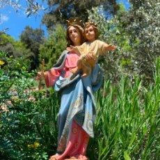 Arte: PRECIOSA VIRGEN CON EL NIÑO JESUS, EN ESTUCO, OJOS DE CRISTAL. DE OLOT 33CMS DE ALTURA. Lote 260820420