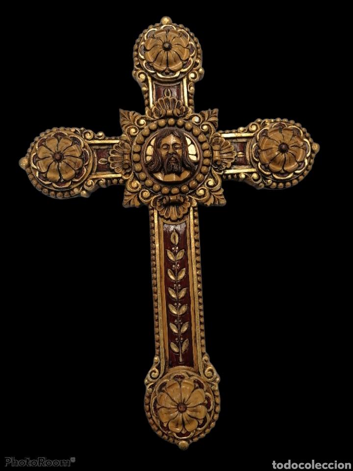 CRUZ TALLADA EN MADERA (Arte - Arte Religioso - Escultura)