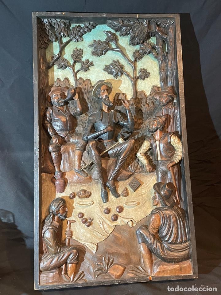 BONITO RETABLO TALLA DE MADERA POLICROMADO DE DON QUIJOTE REPARADO 98X56CM 7CM DE ANCHO (Arte - Arte Religioso - Retablos)
